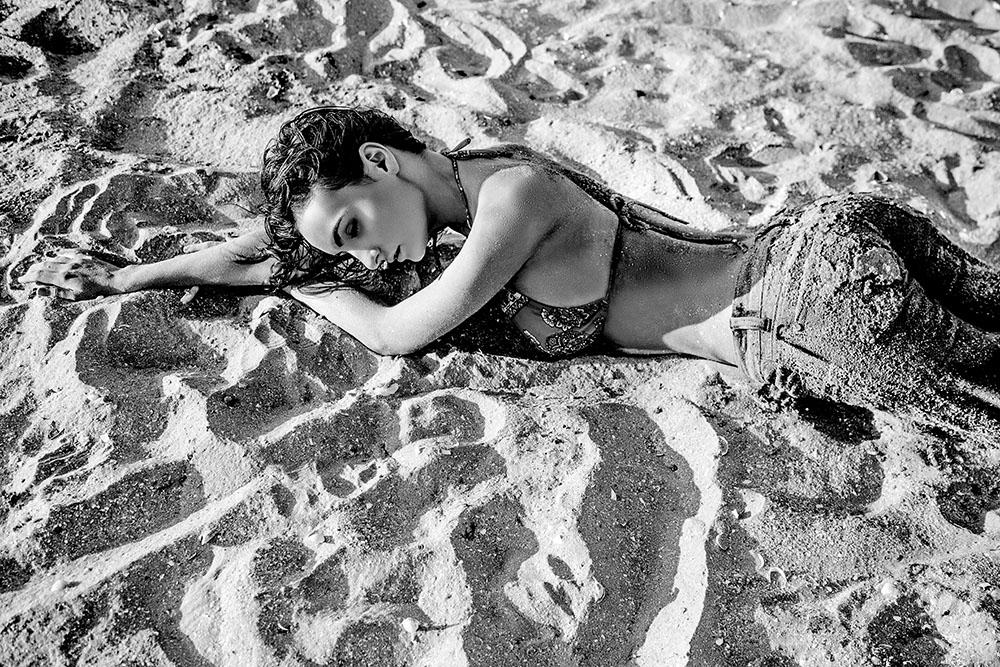 Fotograf Constanta - Sedinta foto glamour pe plaja