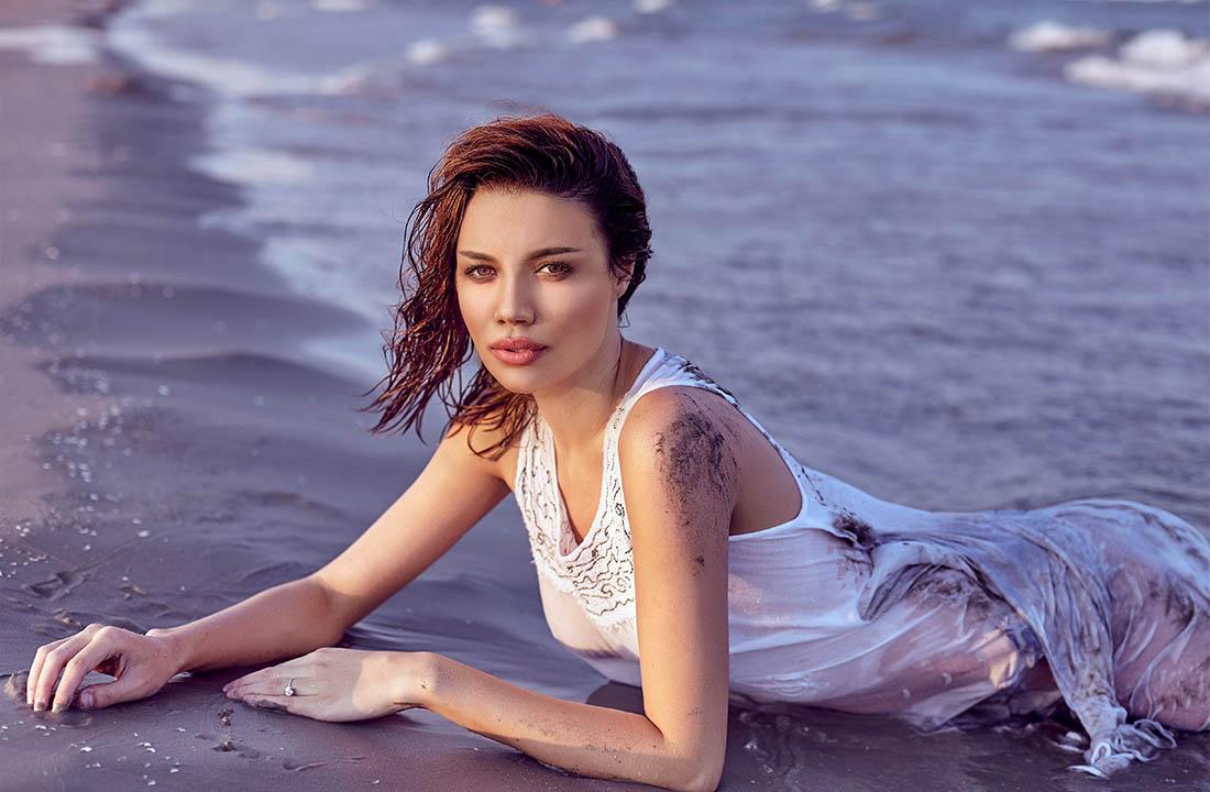 Sedinta foto glamour plaja Mamaia, fotografie boudoir, fotograf constanta
