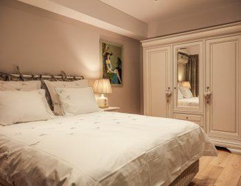 Fotografii apartament hotel inchiriere Mamaia fotograf locatie Navodari profesionist hoteluri camere turisti turism booking airbnb caut vara