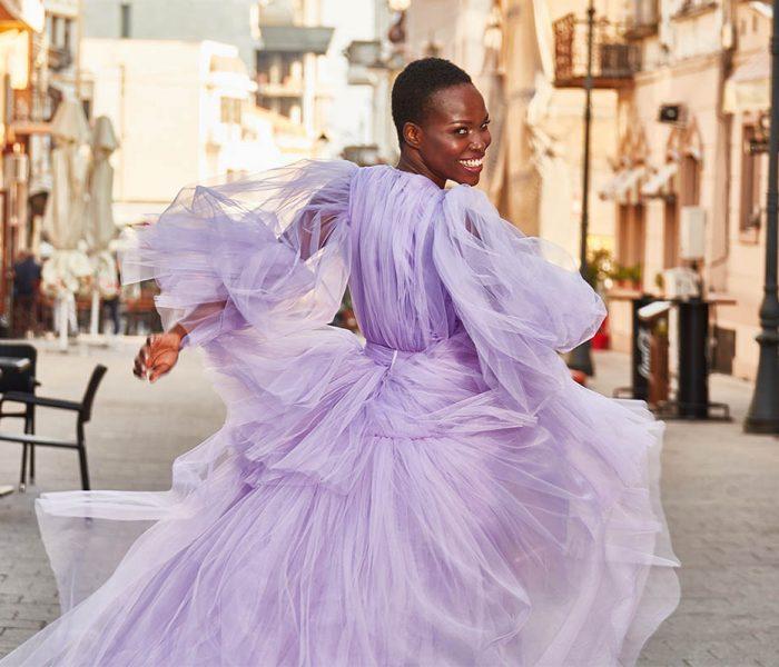 Sedinta Foto Campanie Almaaz Couture Fotografie Fashion Constanta | Realizata in 2018 in Piata Ovidiu | Rochii De Seara La Comanda | Locatie