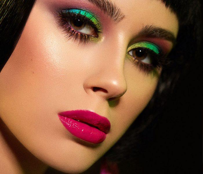 Cauti un Studio Foto in Constanta? Contacteaza Fashion Books Photography | Sedinta Foto in Studio Constanta Beauty Makeup FASHION BOOKS