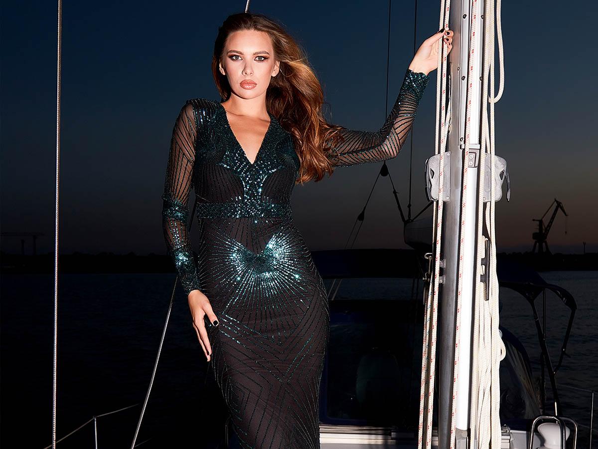 Cauti un Fotograf Profesionist in Constanta? Cere o Oferta! Lookbook Fashion Rochii Mangata Premium Wear Fotograf Constanta